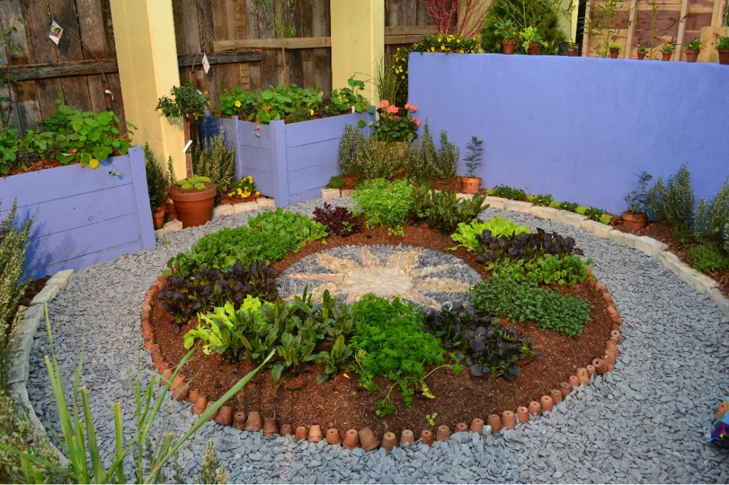 Nashville lawn and garden show; peacescapes